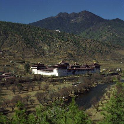 Tashichoedzong-Bhutan-2001-420